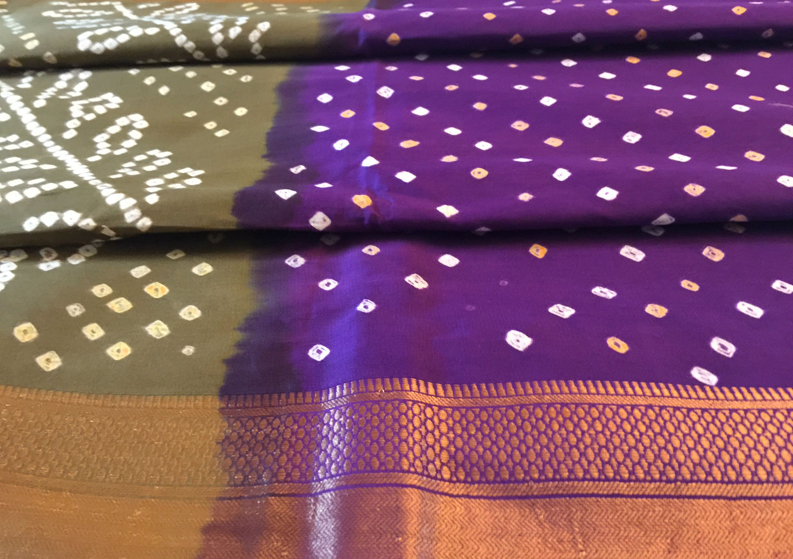 Cotton Bandhani Purple Henna with Zari Border