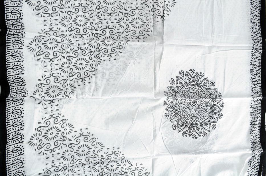 Bagru block print white big medallions