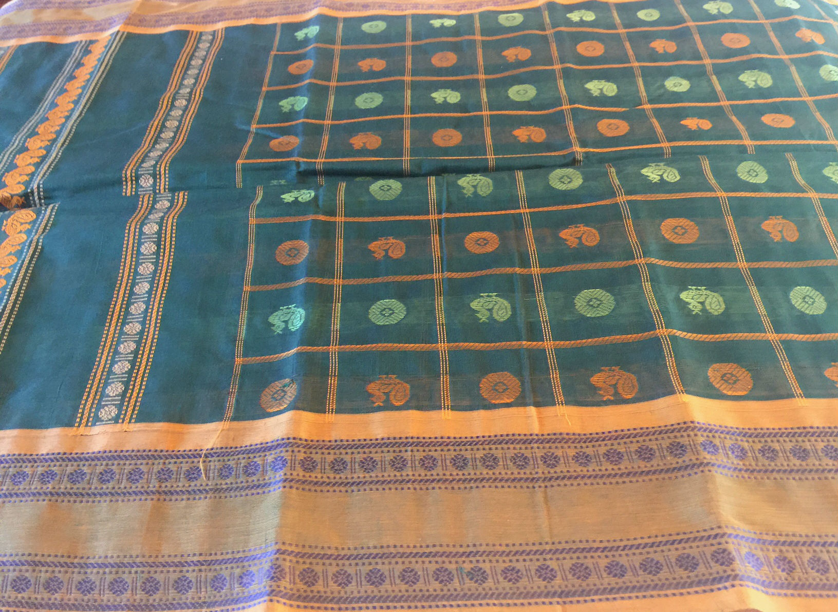 Sale! 20% Off! Kanchipuram Ayirum Butta Green and Mustard
