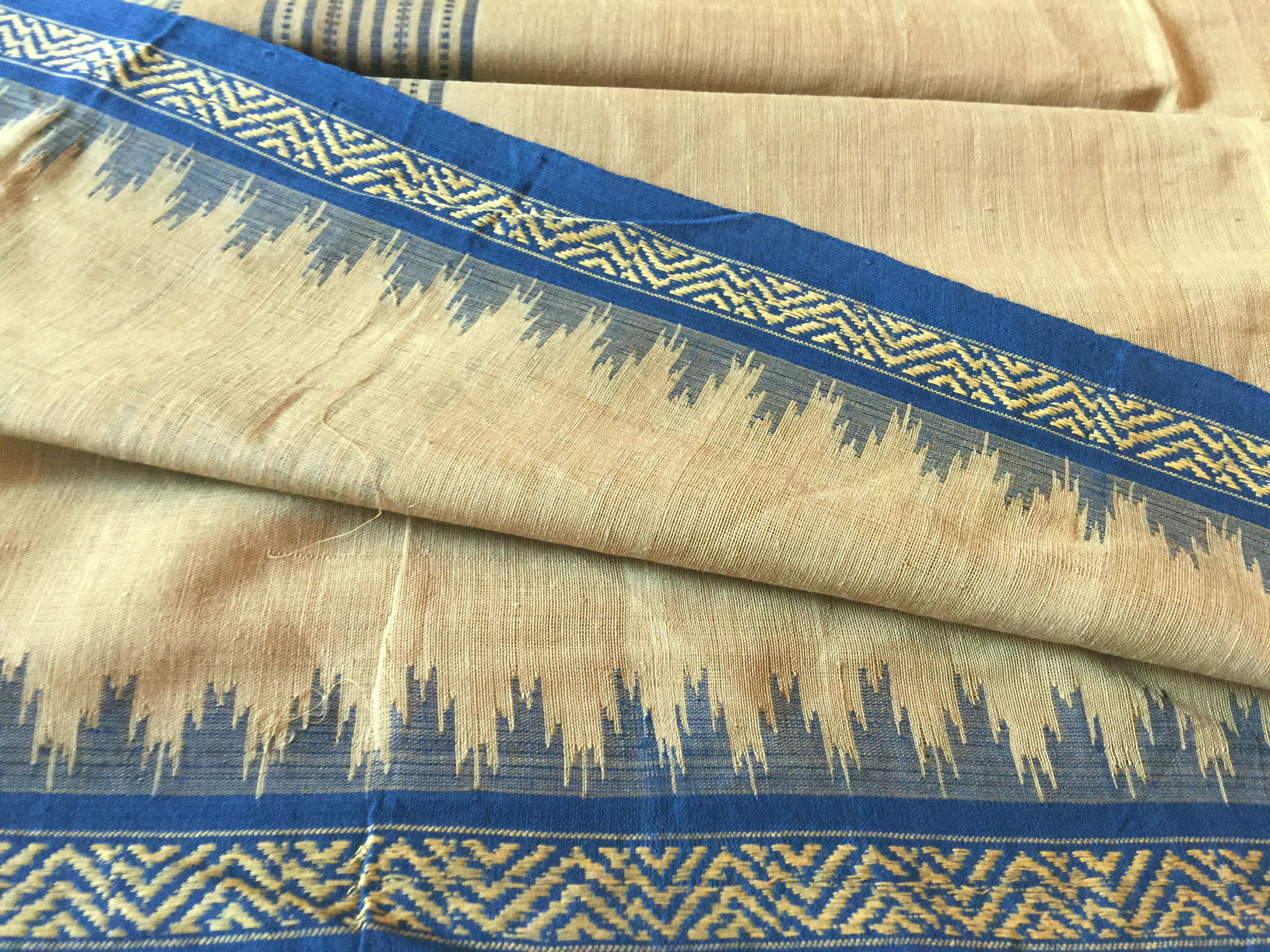 Ponduru Khadi Flax with Navy