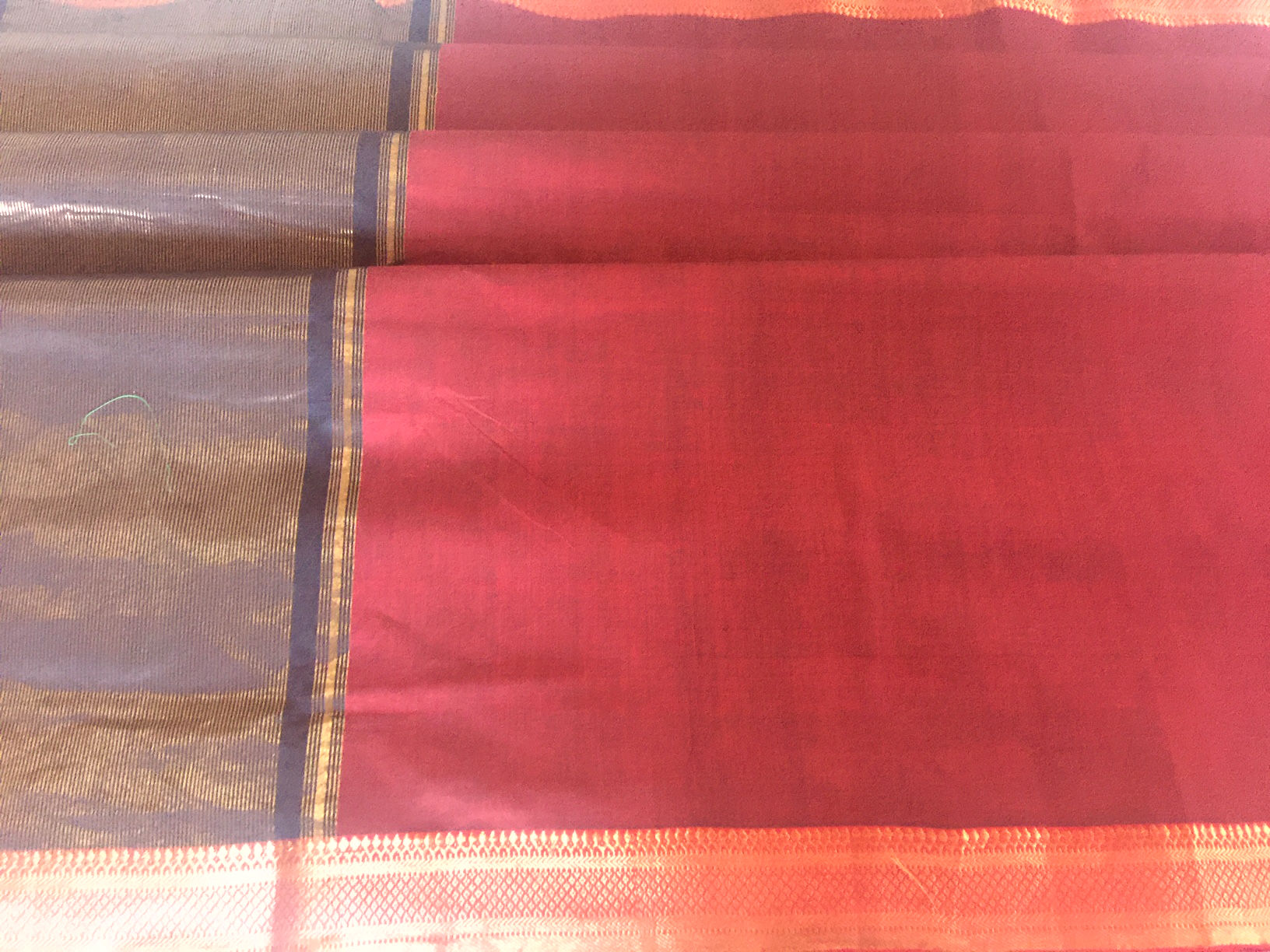 Mangalagiri Maroon and Red Nizam Border
