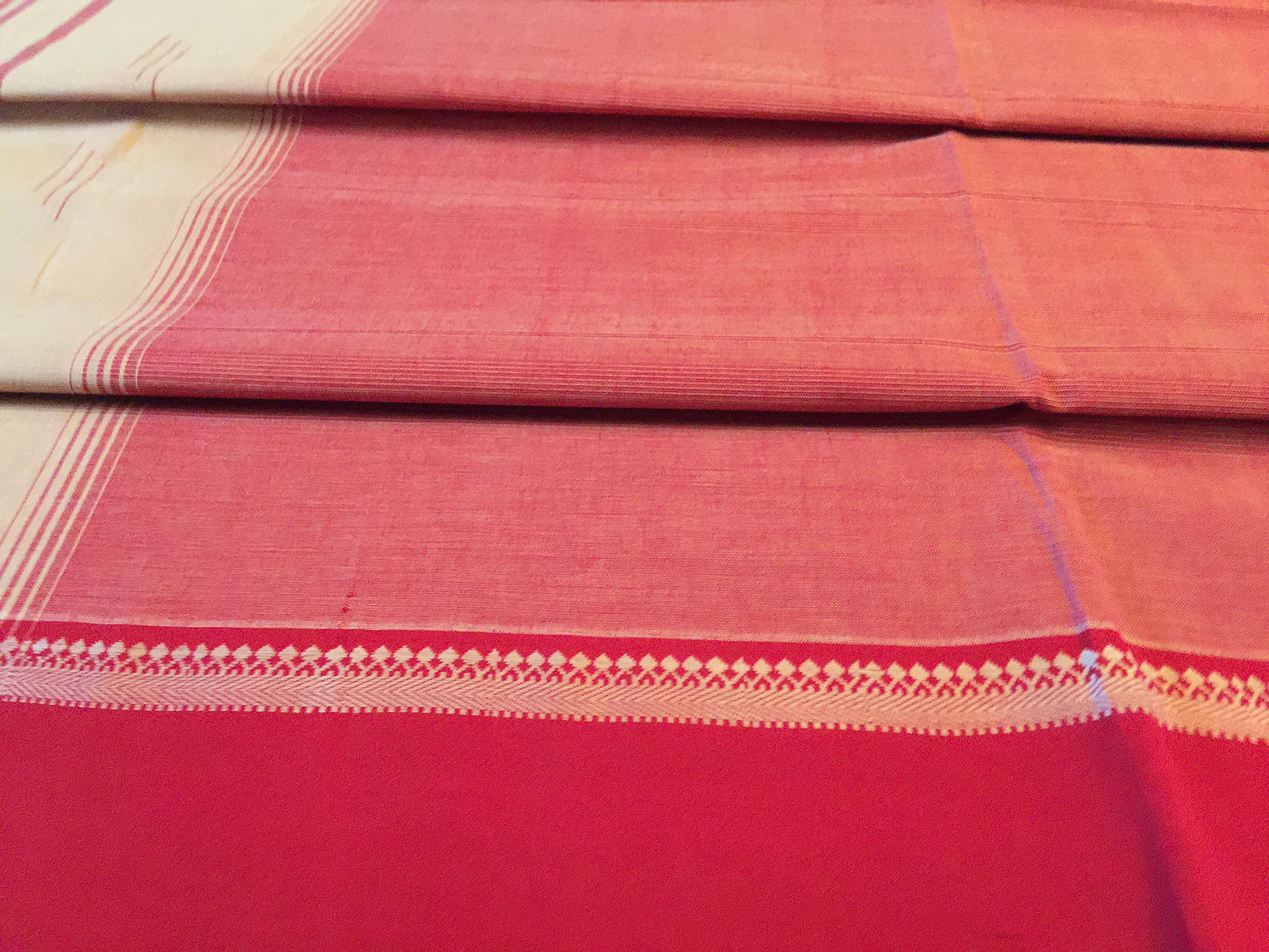 Sale! 20% Off! Mangalagiri Red and Beige Cotton Saree