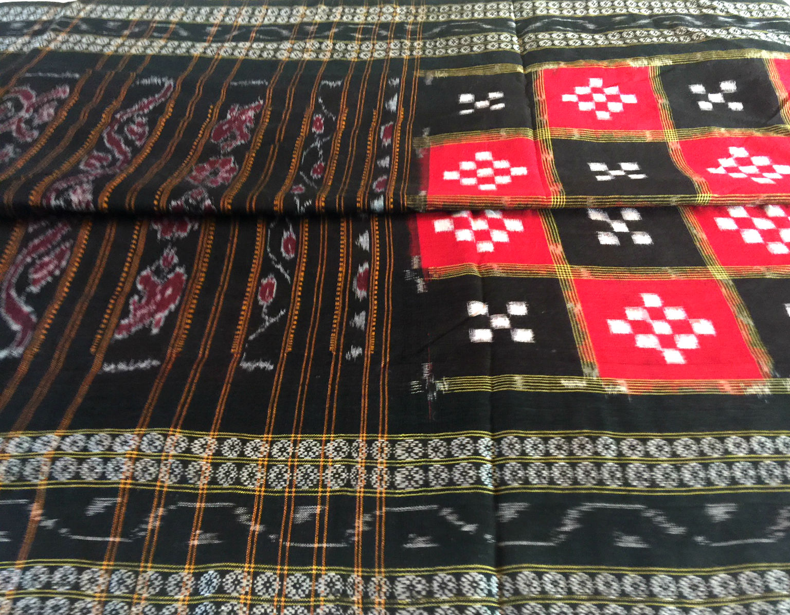 Orissa Red and Black Pasapalli Small Checks