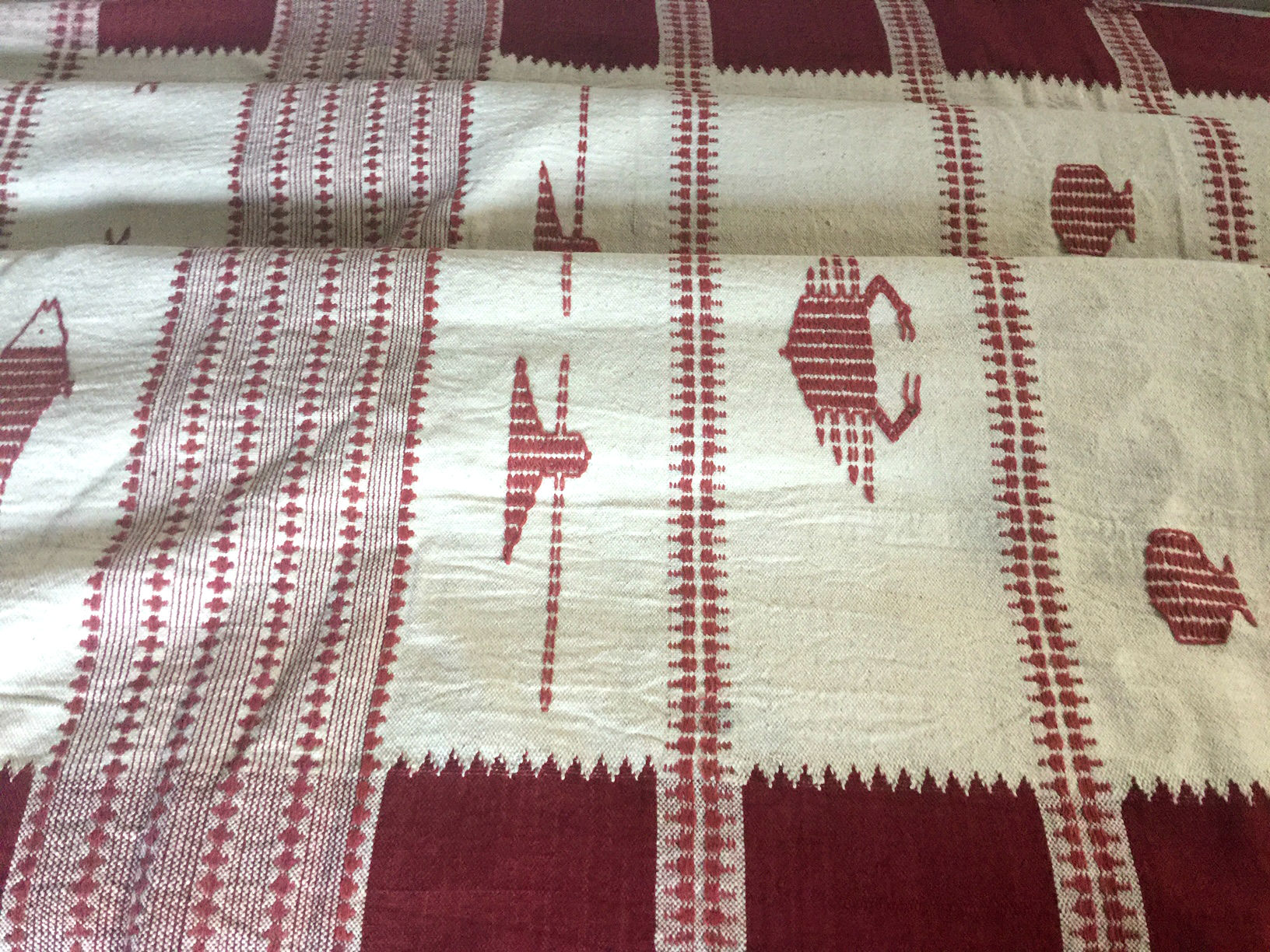 Kotpad Classic Shawl with Crab and Fish Motif